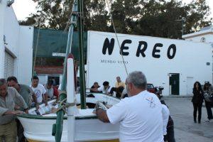 2. Спуск на воду рыбацкой лодки типа хабега. фото  с сайта верфи НЕРЕО