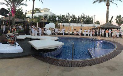 Бело-золотая вечеринка в La Sala by the Sea