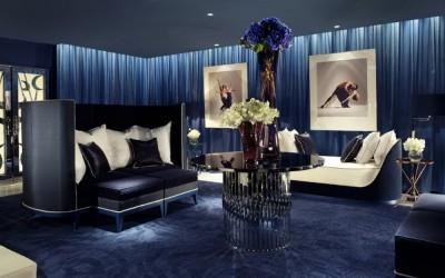 40 комнат с насыщенными синими стенами